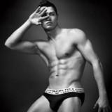 s_クリスティアーノロナウドの腹筋トレーニング