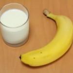 筋トレ後にバナナや牛乳を飲むのは効果的?