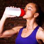 プロテインは牛乳と水どちらで飲むべき?